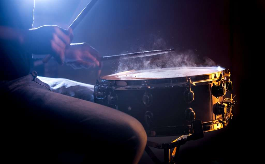 Tocando la percusión en la Escuela de Música de Osuna